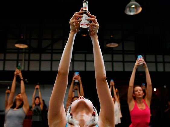 Beer Yoga   dondeir.com Pinterest